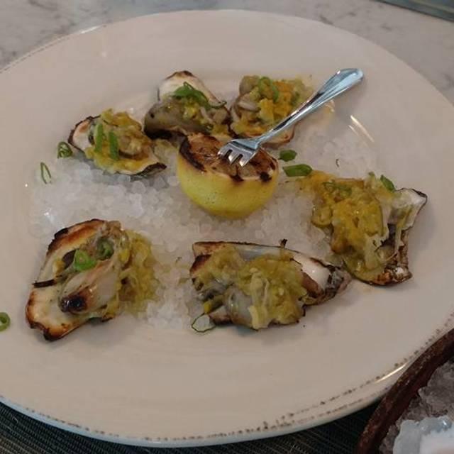 Veronica Fish & Oyster, Sarasota, FL