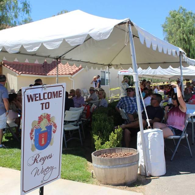 Reyes Winery, Agua Dulce, CA