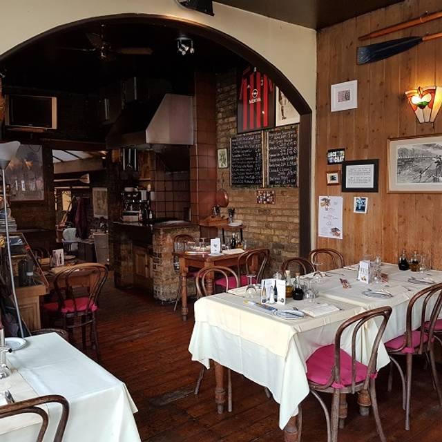 Blades Restaurant, London