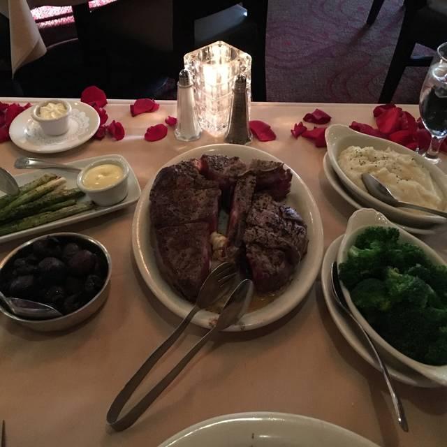 Ruth's Chris Steak House - Downtown Honolulu, Honolulu, HI