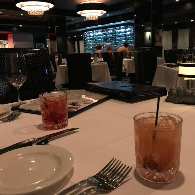 Morton's The Steakhouse - Louisville, Louisville, KY