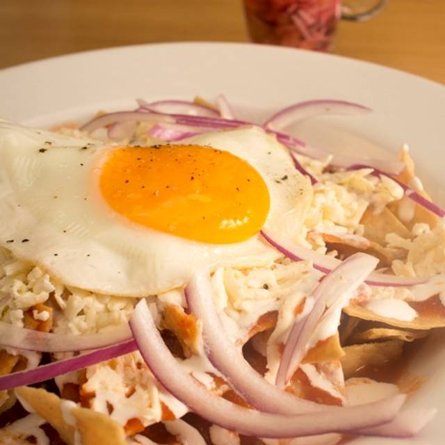 Chilaquiles Con Huevo - La Pulmonia - La Pulmonia Seafood & SteakHouse, Boca del Río, VER