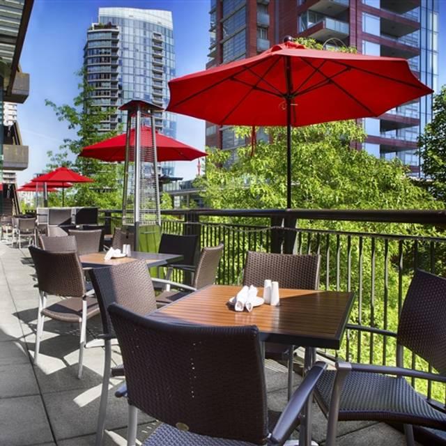 p2b bistro & bar, Vancouver, BC