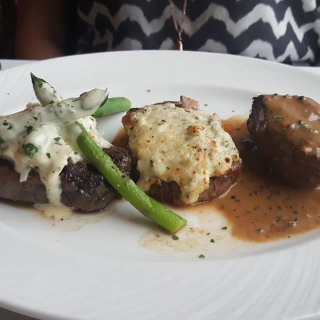 Eddie Merlot's Prime Aged Beef & Seafood - Ashburn, Ashburn, VA