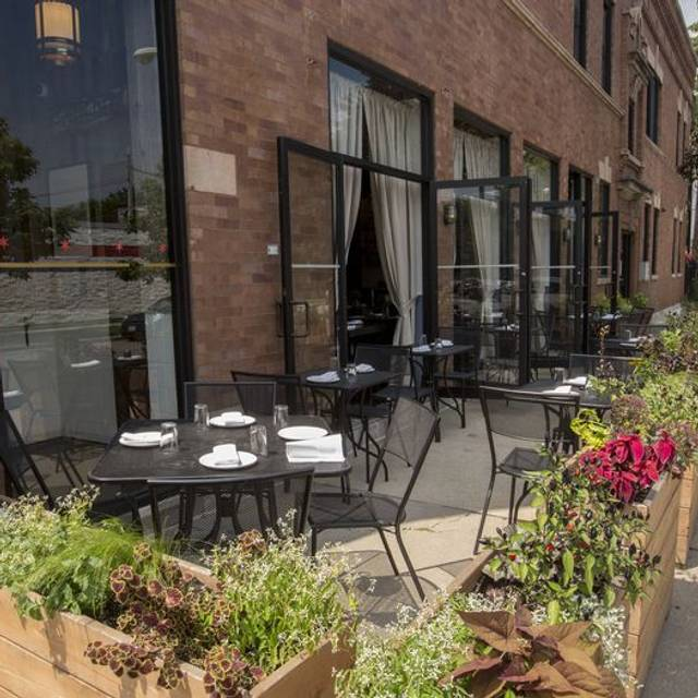 Heritage Restaurant & Caviar Bar, Chicago, IL