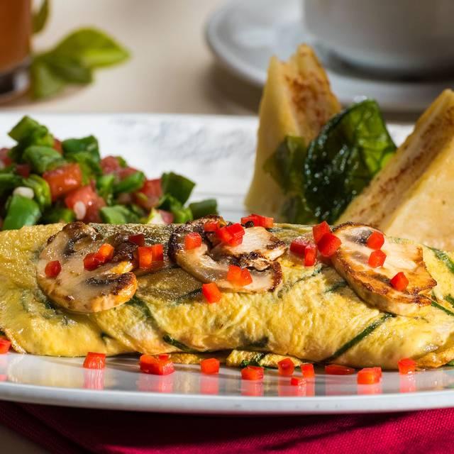Omelette Champiñones - Restaurante Safi - Hotel Safi Valle, San Pedro Garza García, NLE