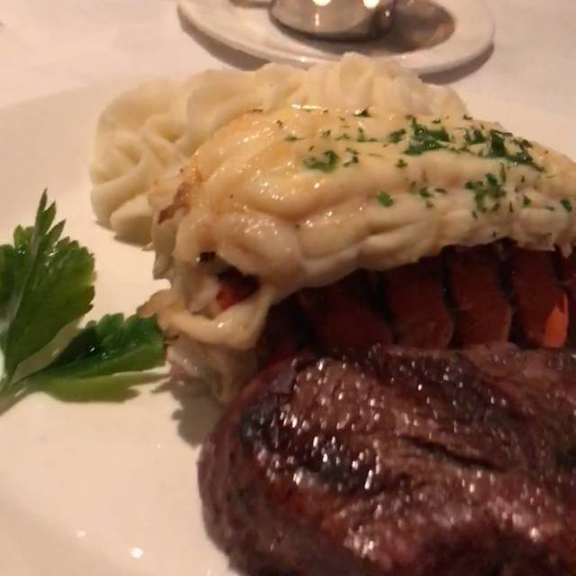 Hy's Steakhouse Encore, Vancouver, BC