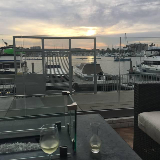 Salt marina del rey hotel marina del rey ca opentable for Marina del rey fishing report