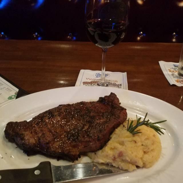Frankie Bones Restaurant & Lounge - Hilton Head Island, Hilton Head Island, SC