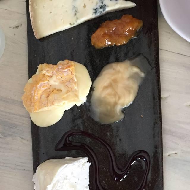Murray's Cheese Bar, New York, NY