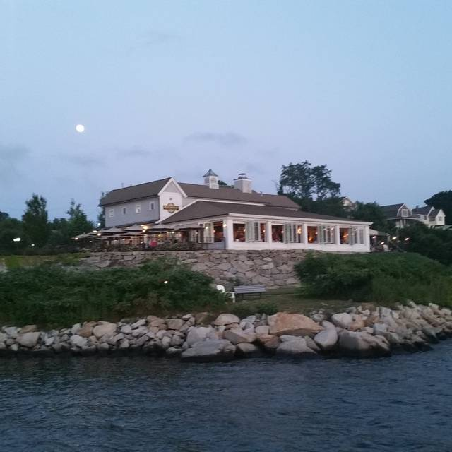 Boat House Waterfront Dining, Tiverton, RI