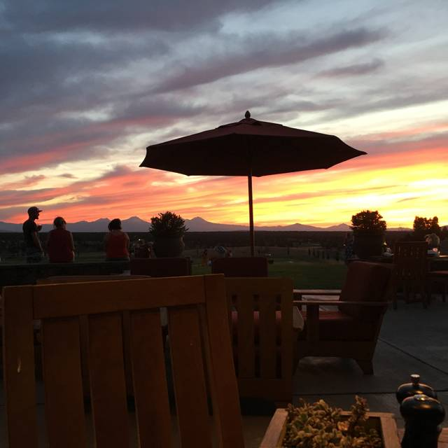 Range Restaurant and Bar, Powell Butte, OR