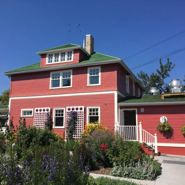 Deane House, Calgary, AB