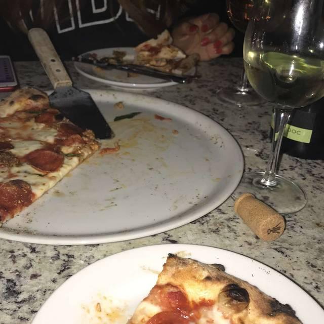 La Bella Napoli Pizzeria Las Vegas Nv Opentable
