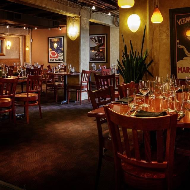 Dining Area - Notti Bianche, Washington, DC