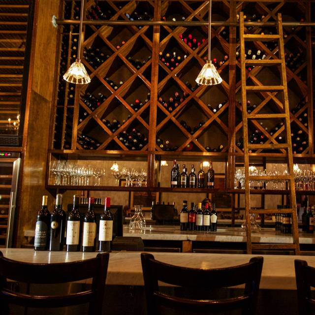 Vino Wine Bar & Italian Kitchen, Boca Raton, FL