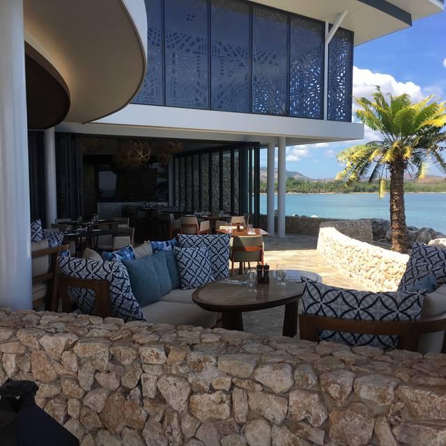 Fish Bar - Fiji Marriott Resort Momi Bay, Momi Bay, Nadi