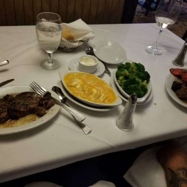 Ruth's Chris Steak House - Chattanooga, Chattanooga, TN