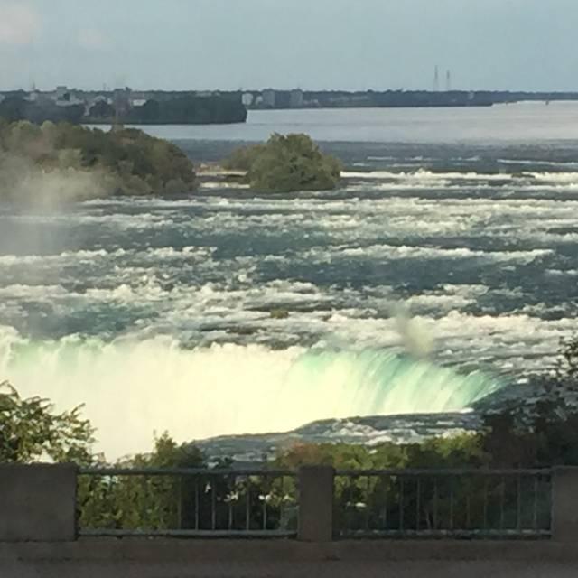 Milestones Grill + Bar - Niagara Falls, Niagara Falls, ON