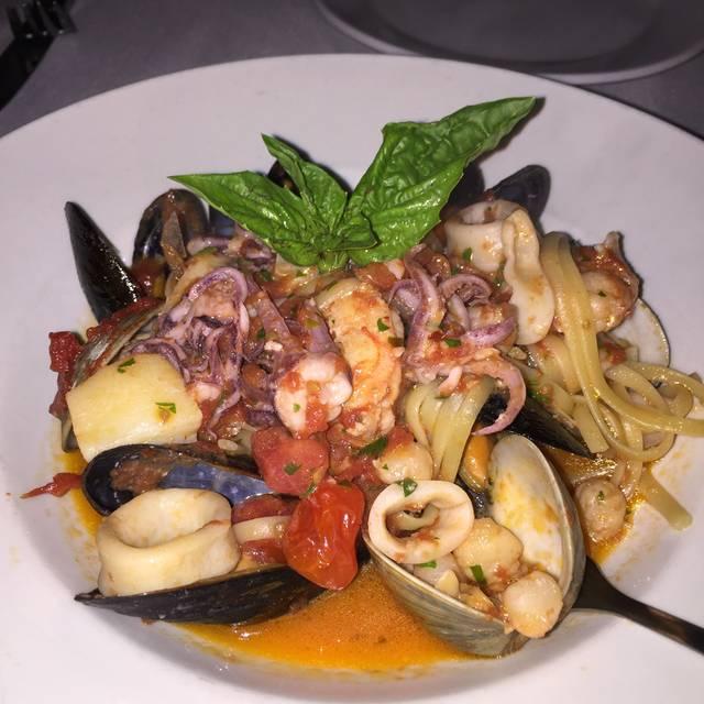 OMBRA Cucina Italiana, Hilton Head Island, SC