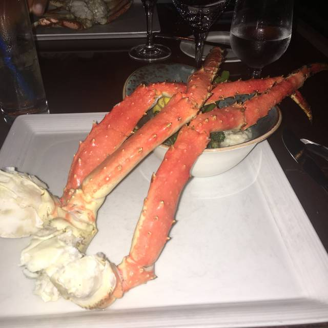 Blue Crab Seafood House - Coast Victoria Hotel & Marina by APA, Victoria, BC