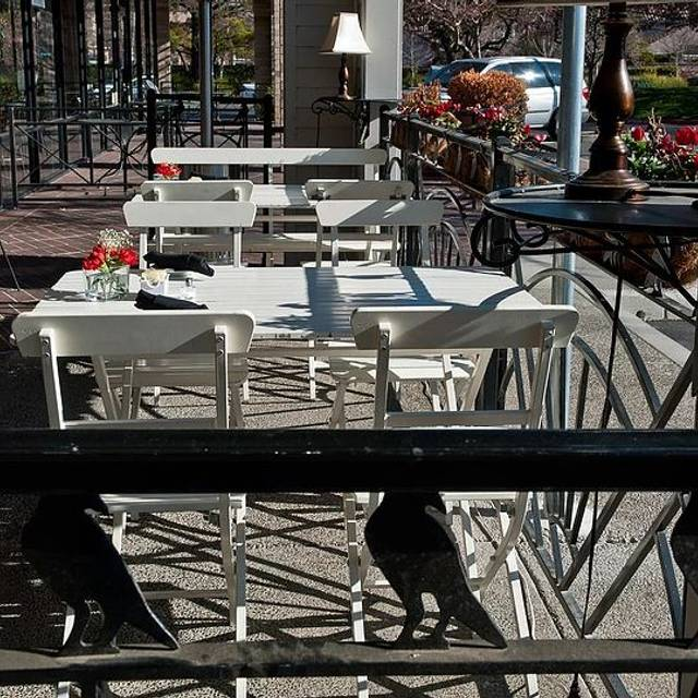 Ravenous Patio - Ravenous Cafe, Sacramento, CA