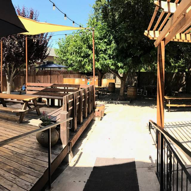 The reel fish shop grill sonoma ca opentable for Reel fish sonoma