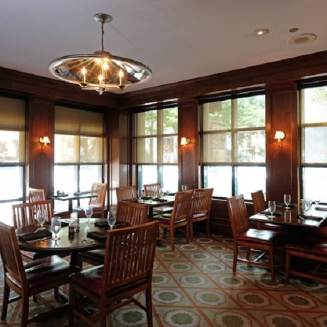 Dining Room - Cobblestone Bar & Grill, Richmond, VA