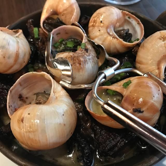 Restaurant Orsay, Jacksonville, FL