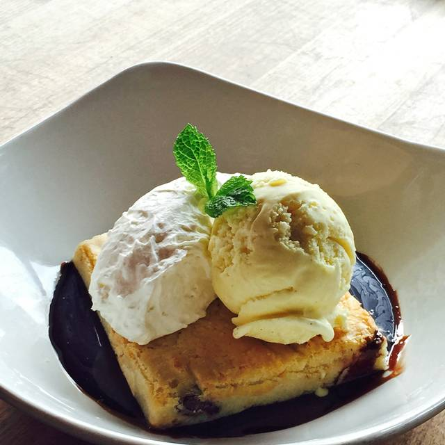 White Chocolate Brownie - Moxie's Grill & Bar - Deerfoot Meadows, Calgary, AB