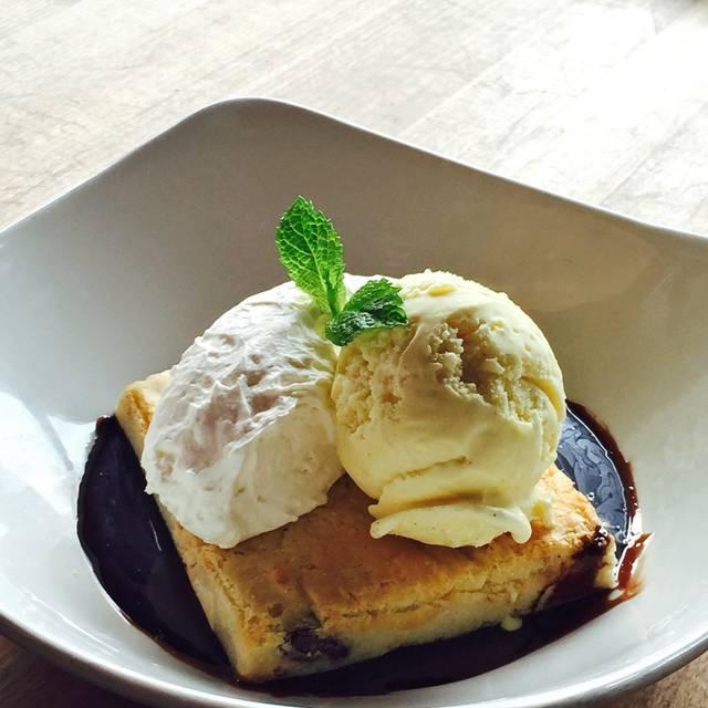 White Chocolate Brownie - Moxie's Grill & Bar - Dixon Road, Etobicoke, ON