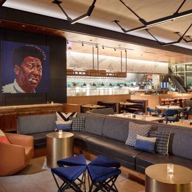 Earls Kitchen Bar Lincoln Park Restaurant Chicago Il