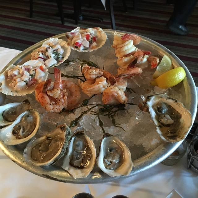 Max's Oyster Bar, West Hartford, CT