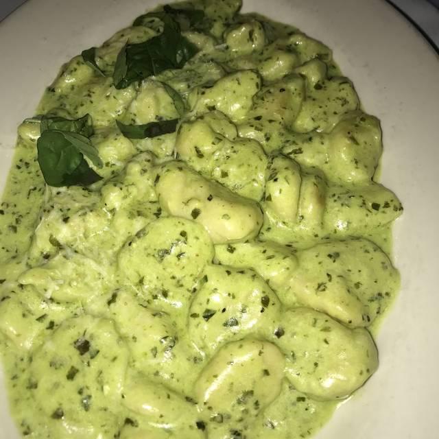 Tutto Pazzo Restaurant & Tuscan Lounge, Huntington, NY