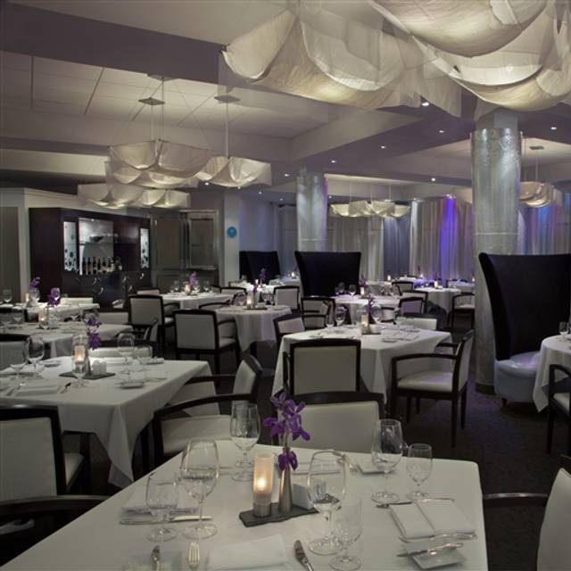 Liv Restaurant - White Oaks Resort & Spa, Niagara-on-the-Lake, ON