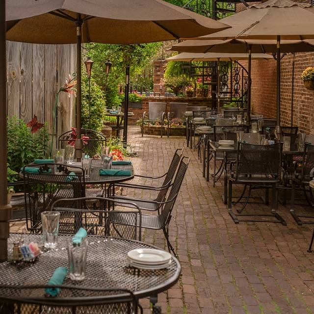 Patio - Cobblestone, Zionsville, IN