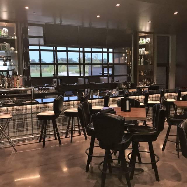 Range Grill + Golf, Urbandale, IA