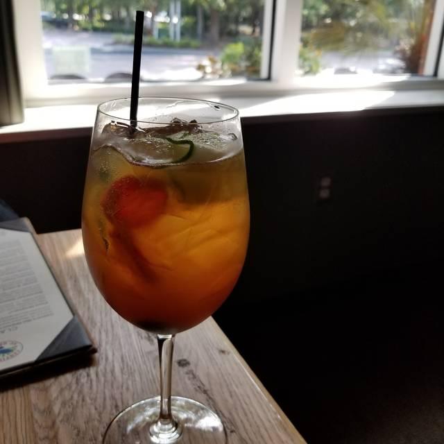Crave Kitchen & Cocktails, Mount Pleasant, SC