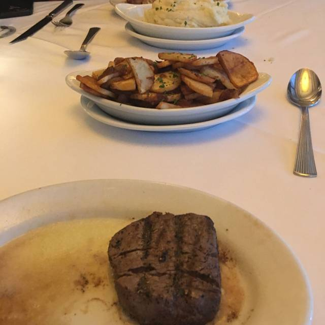 Ruth's Chris Steak House - Calgary, Calgary, AB