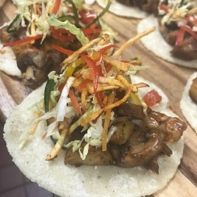 Food - Mercado Taqueria, Studio City, CA