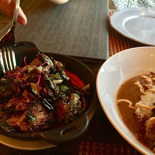 Roux Restaurant Laguna Beach
