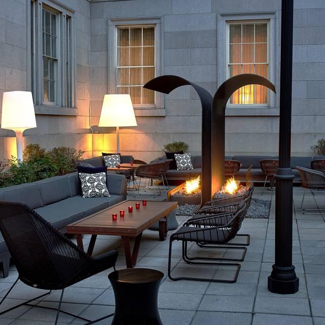 South East Courtyard - Dirty Habit, Washington, DC