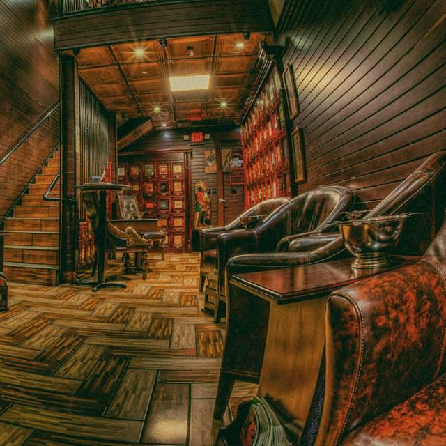 Vintage Cigar Lounge, Huntsville, AL