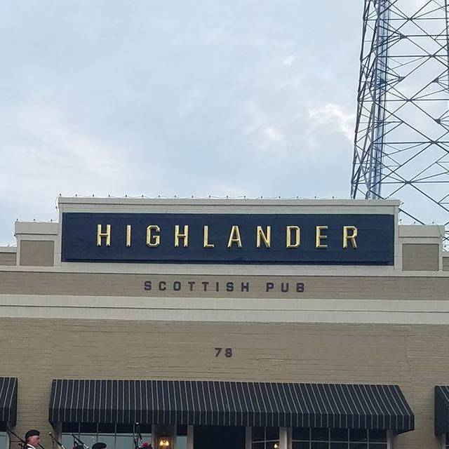 Scottish Pub Bar: Highlander Scottish Pub Restaurant