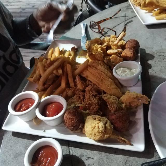 Landry's Seafood House - Myrtle Beach, Myrtle Beach, SC