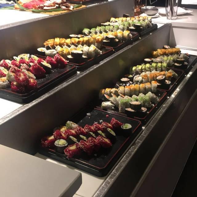 Eight restaurant cordis auckland auckland auckland for Auckland cuisine