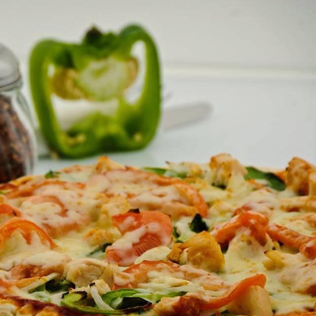santa lucia pizza 4 st mary 39 s rd restaurant winnipeg. Black Bedroom Furniture Sets. Home Design Ideas