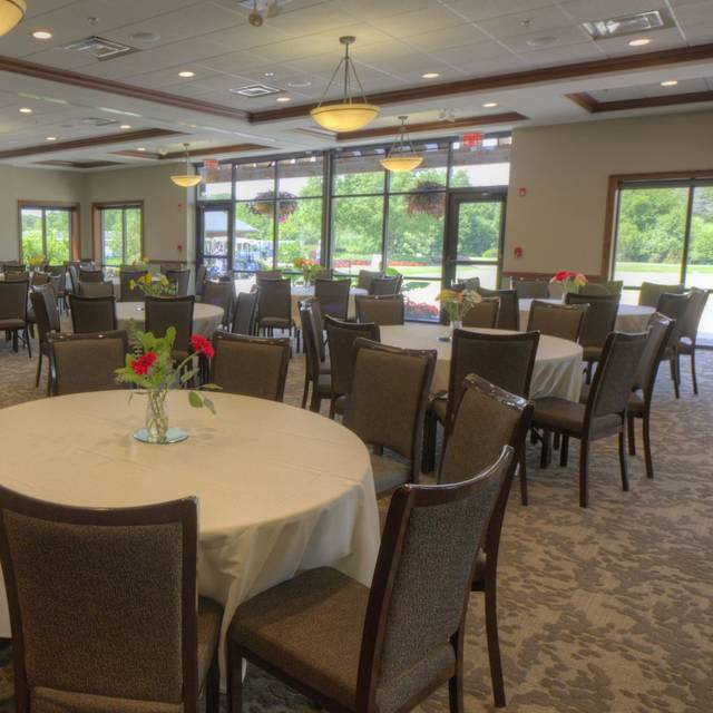 Banquets Welcomed - Reserve 22, Glen Ellyn, IL