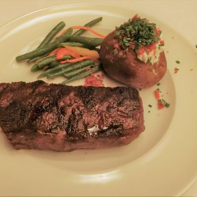 Hy's Steak House - Waikiki, Honolulu, HI