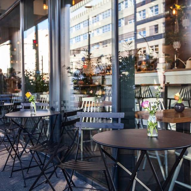 rose garden berlin restaurant berlin opentable. Black Bedroom Furniture Sets. Home Design Ideas